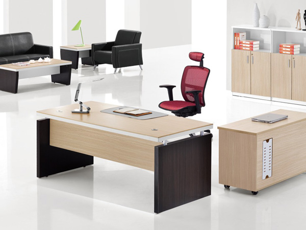 木质跟铁质办公家具哪种好?